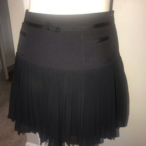 Flirty mini skirt ~ Jessica Simpson